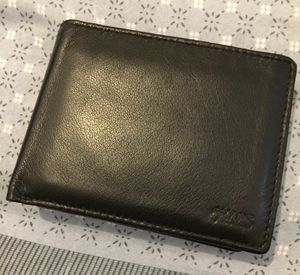 Chaps Leather Wallet (Must Pick Up) for Sale in Detroit, MI