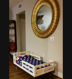 Classic Baby Toddler Bed for Sale in Topanga,  CA