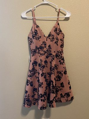 Dress clothing for Sale in Marysville, WA