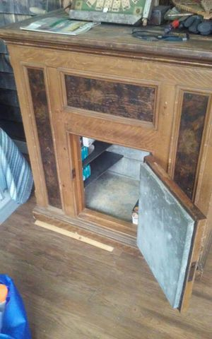 Antique ice chest for Sale in Brooksville, ME