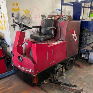 Floor scrubber for Sale in Rancho Cucamonga, CA