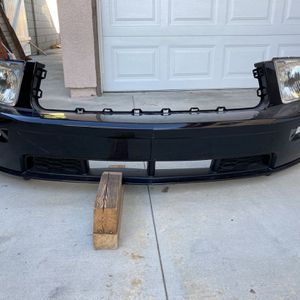 2006 Ford Mustang GT Front Bumper W/O Headlights for Sale in Tustin, CA