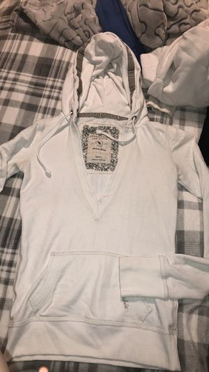 Abercrombie & Fitch sweatshirt for Sale in Damascus, MD