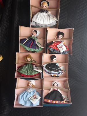 """Lot of 7 Vintage Madame Alexander 8"""" Dolls W Boxes International Series for Sale in Beaumont, CA"""