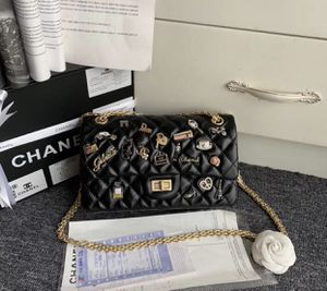 Chanel n05 Bag for Sale in San Jose, CA