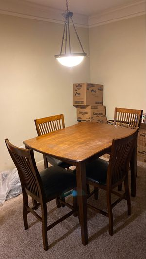 High Top kitchen table for Sale in Spartanburg, SC