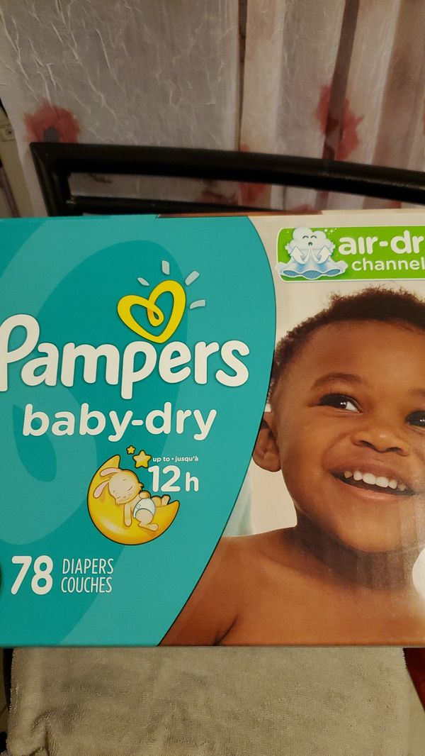 Pampers baby dry diapers size 5 w wipes