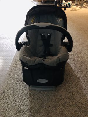 Car seat and base for Sale in East Hartford, CT
