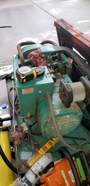 Onen generator in great condition low hours I bought it to put in my camper but went a different route for Sale in Sandy, OR