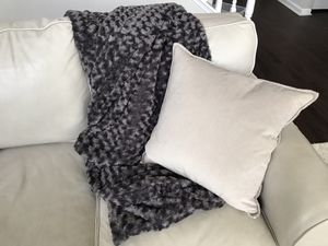 Deirdres_Design // Grey Chenille Weighted Blanket - 16 Pounds for Sale in Charlotte, NC