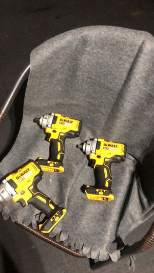 New Dewalt impacts wrench 1/2 tool only $ 140 each for Sale in Orlando, FL
