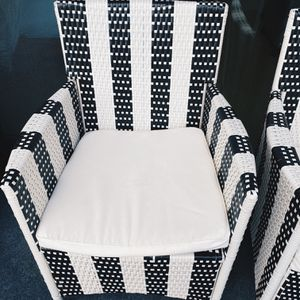 Outdoor Living Kendrick Black/ White Chair for Sale in Los Angeles, CA