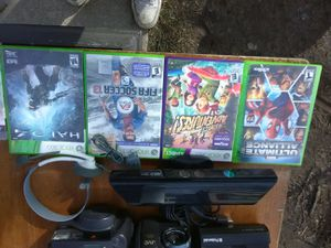 Xbox 360 Kinect camera bundle with games and new headphones for Sale in Washington, DC