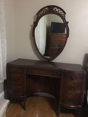 Antique vanity dresser for Sale in Abington, MA
