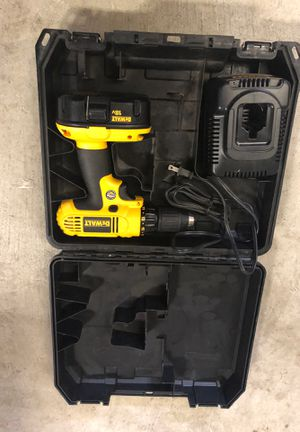 18vt Dewalt drill for Sale in Bloomington, CA