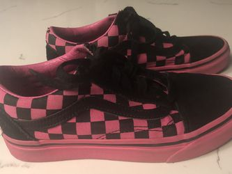 VANS shoes sneakers Size 4 Youth. for Sale in Fontana,  CA