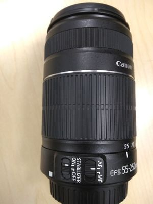 Canon 2 lenses IS II cannon lens like brand new for Sale in San Jose, CA