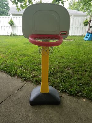 Toddler basketball hoop for Sale in Columbus, OH