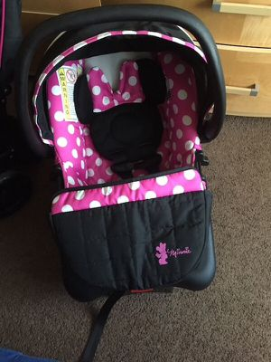 Infant mini mouse car seat with base / practically new. for Sale in Phillips Ranch, CA