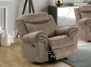Stanley brown Reclining Chair for Sale in Lexington, NC