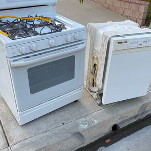 Free Stove And Dishwasher for Sale in Moreno Valley, CA