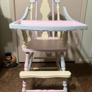 Antique Child's High Chair for Sale in Grand Prairie, TX