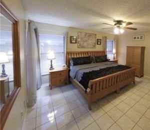 King Bedroom Set for Sale in Orlando, FL