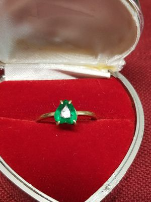 14K GOLD WITH HEART EMERALD RING for Sale in Springfield, VA