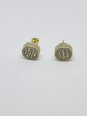 Sterling Silver 925 Men or Women Stud Earrings - Aretes de Hombre de Plata de Hombre o Mujer Plata con baño de oro for Sale in Houston, TX