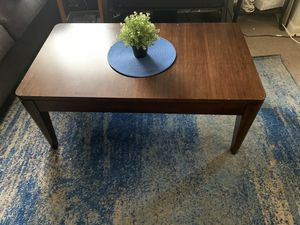 Coffee table for Sale in Hyattsville, MD