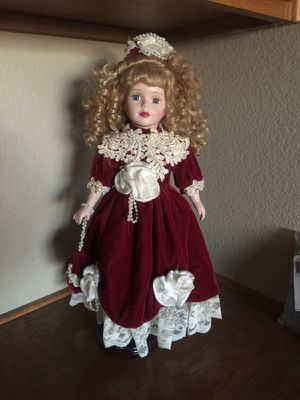Victorian Doll for Sale in Moreno Valley, CA