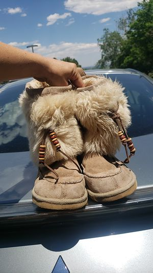 Womens fuzzy Uggs sz.8 for Sale in Lakewood, CO