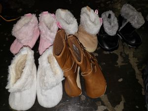 Baby girl boots size 0-12 months for Sale in Dallas, TX