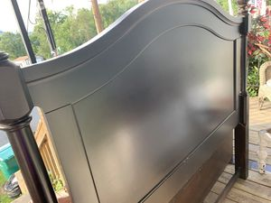 Queen size headboard and frame with 2 drawers built in for Sale in LAUREL PARK, WV