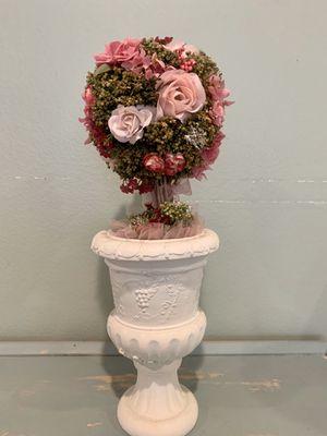 Gorgeous artificial flower arrangement for Sale in Fullerton, CA
