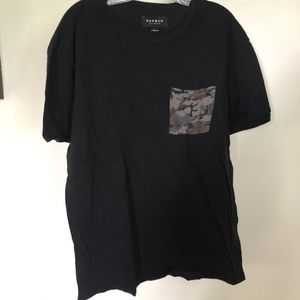 Pac sun men's camo pocket t shirt for Sale in San Diego, CA