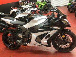 2013 Kawasaki zx10 abs as Low as 900$ down Only for Sale in Lakeland, FL