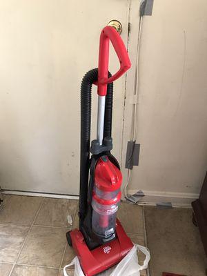 Vacuum dirt Devil in excellent condition for Sale in Hyattsville, MD