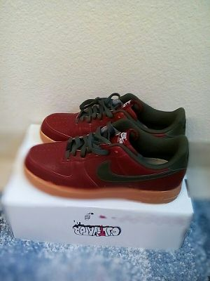 Nike Air Force 1 Low Burgundy and Green Size 11.5 for Sale in Oakland, CA