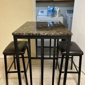 Barely used Two Seater Kitchen Table for Sale in Schaumburg, IL