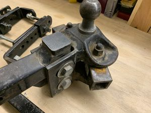 Trailer weight distribution sway control hitch for Sale in Riverside, CA