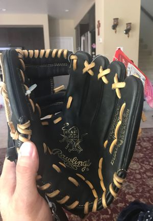 Rawlings Heart of the Hide glove for Sale in Chula Vista, CA