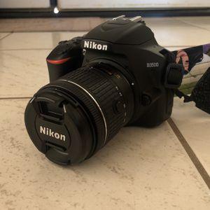 Nikon D3500 DSLR with Stock Lens for Sale in Henderson, NV