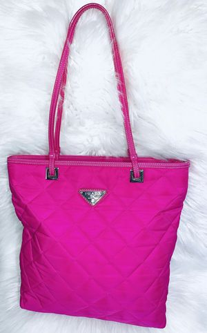 Gorgeous Pink Tote Purse for Sale in Chandler, AZ