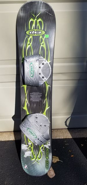 Kids snowboard pick up in Cary for Sale in Cary, IL