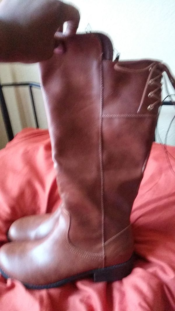 Shoes- Brown Zip Up Boots
