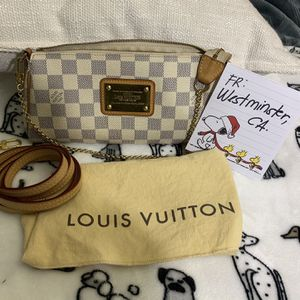 Authentic Louise Vuitton Eva Demier White for Sale in Huntington Beach, CA