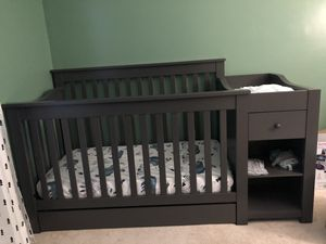 DaVinic convertible crib *never used only put together* for Sale in Virginia Beach, VA