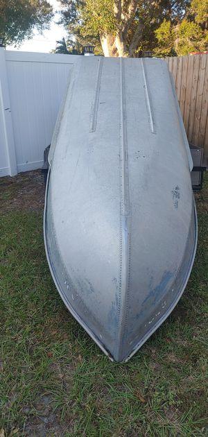 12 v haul john boat. for Sale in St. Petersburg, FL
