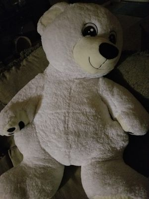 3 FOOT STUFFED BEAR for Sale in Hutto, TX